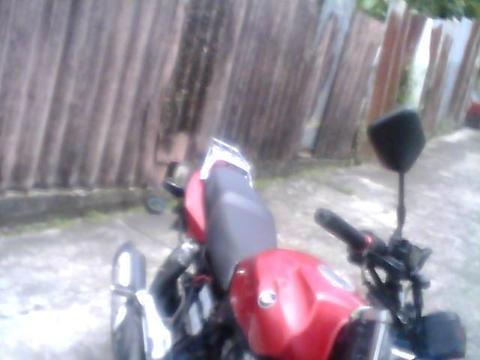 vendo speed año 2011 motor recien reparado de pies a cabeza todo nuevo