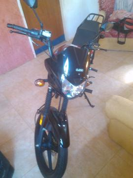 vendo o cambio x un carrito moto um max nueva año 2015