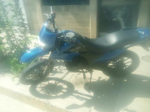 Motos Bera Dt Y Empire Tx